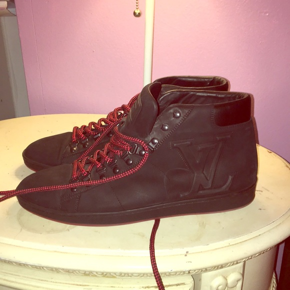 Men S Louis Vuitton Black And Red Sneakers